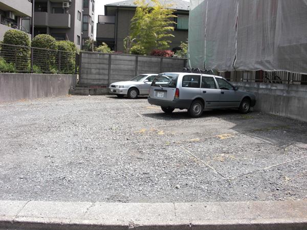 コーポ並木前駐車場